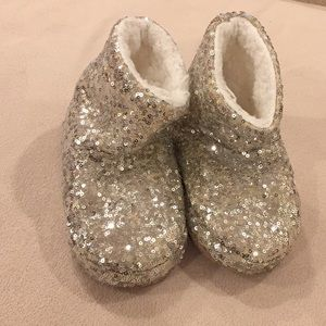 GUC TG Silver Sequin house slippers, Size s/m.
